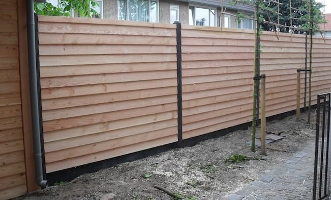 Moderne houten tuinafsluiting